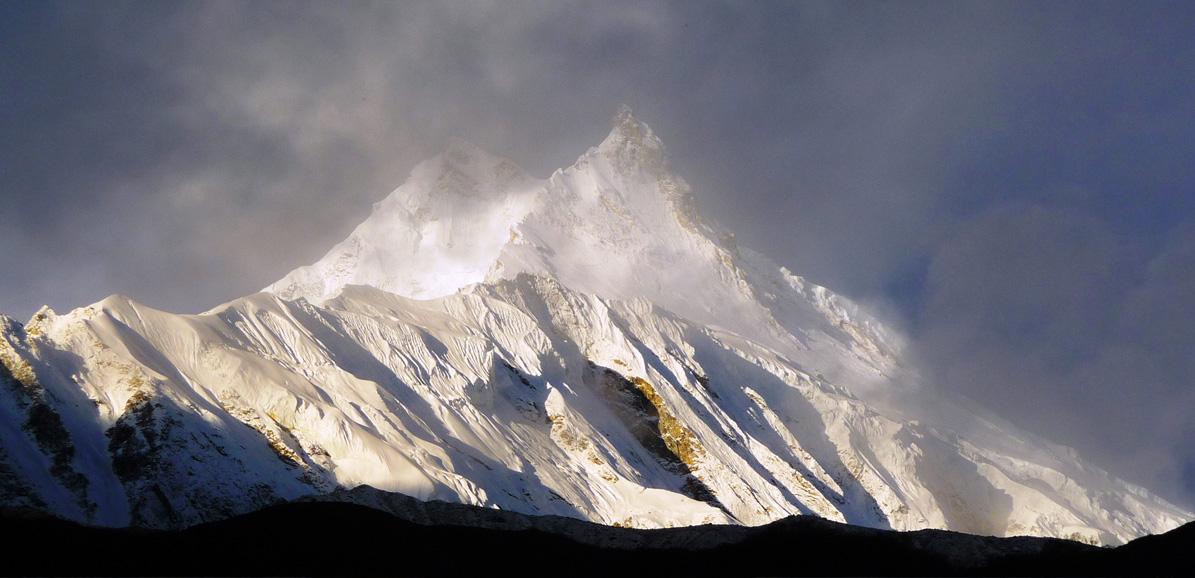 Le Manaslu (8163 m) se dévoile enfin