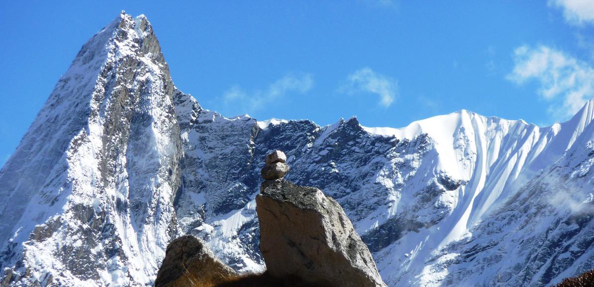 Incroyable arrête vers le sommet du Manaslu