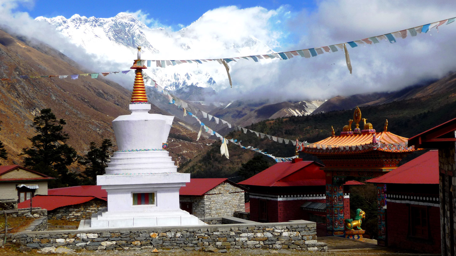 Monastère de Tengboche et l'Everest en toile de fond