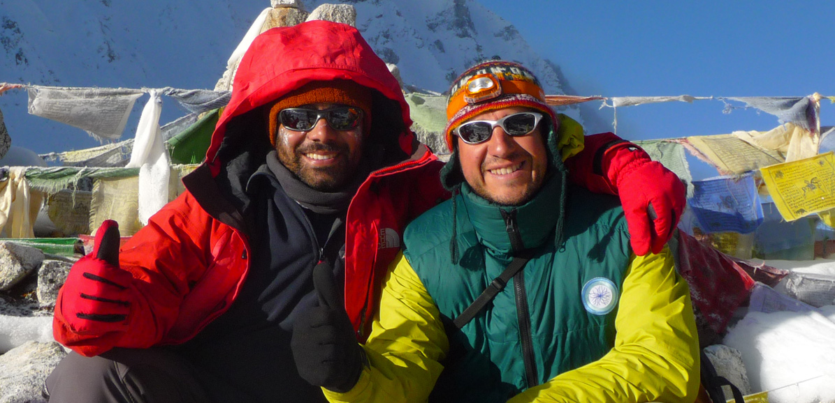 Happy Nepal Trek - Rajan & Frédéric au sommet du Larkya La (5160 m)