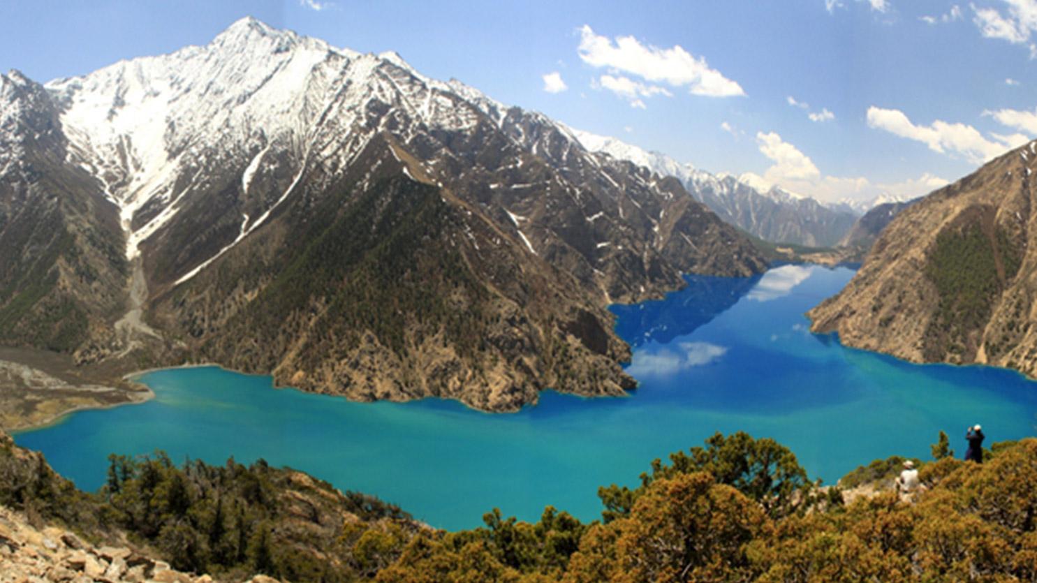 Majestueux lac de Phoksundo, Dolpo