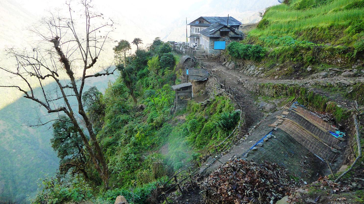 Au détour d'un hameau, vallée du Langtang